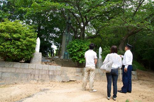 07梅津寺公園_秋山真之銅像
